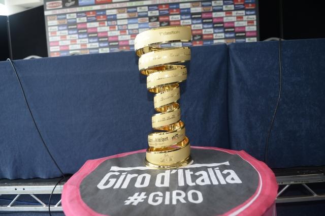 Giro: Zoncolan, Stelvio, Gavia, Montecampione ... spoznajte prelaze!