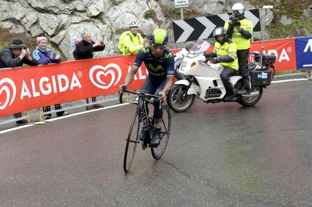UCI in Giro zavrnila zahtevo športnih direktorjev! Zaostanki s sporne etape ostajajo!