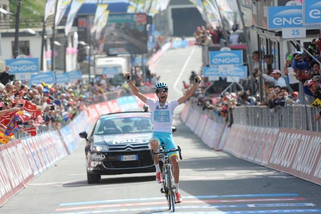 Fabio Aru se je po dnevih krize vrnil, Contador prepričljivo vodi
