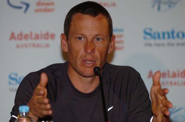 Armstrong se povsem umika iz Livestronga