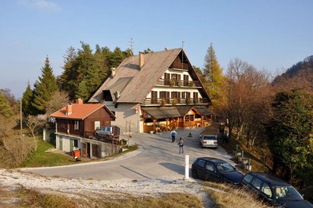 Planinski dom na Zasavski sveti gori