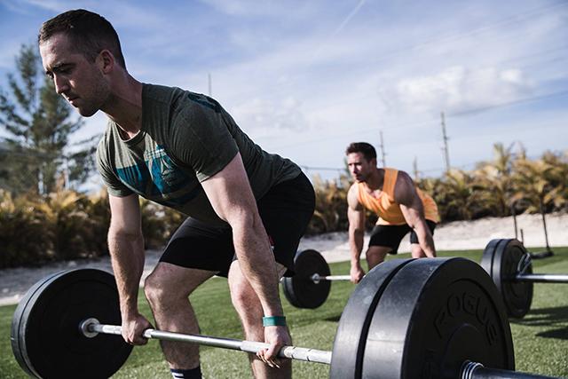 Napake, ki lahko pokvarijo vadbo za moč