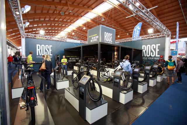 Krepitev dolarja podražil kolesa ROSE