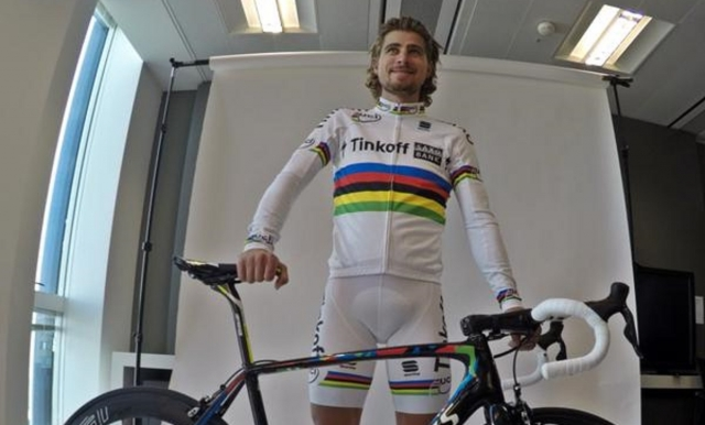 Tinkoff Saxo razkril mavrični dres in mavrično kolo