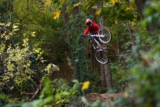 Video: Jelenova trail