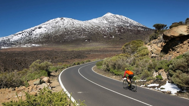 Col Collective: Mike Cotty se je povzpel na Teide (VIDEO)