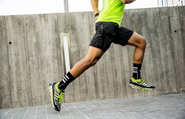 Okrepite kolke in olajšajte delo kolenom