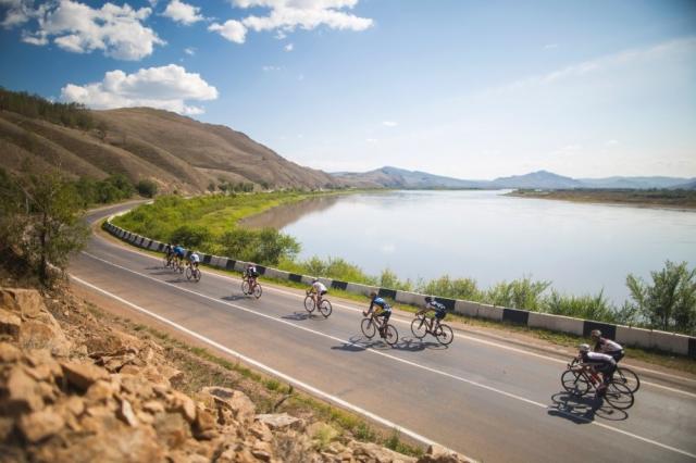 Red Bull Trans-Siberian Extreme: kolesarji premagali polovico poti
