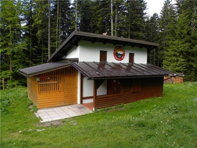 Zavetišče gorske straže na Jelencih