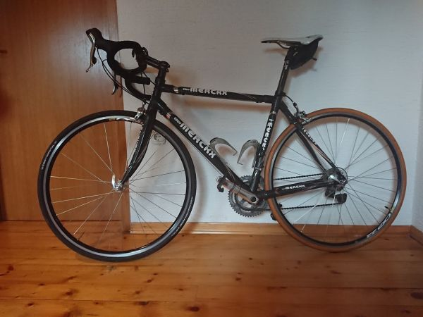 Cestno kolo Eddy Mercx letnik 2012 prodam Cestno kolo Eddy Mercx letnik 2012 prodam