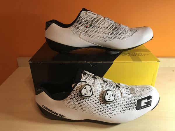 Kolesarski cestni čevlji Gaerne Carbon Chrono White, številka 45