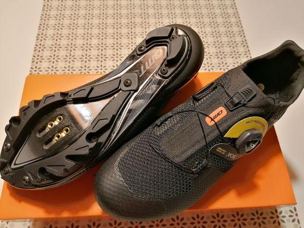 MTB kolesarski čevlji  DMT KM3 velikosti 40,5 (noga 26,3cm)