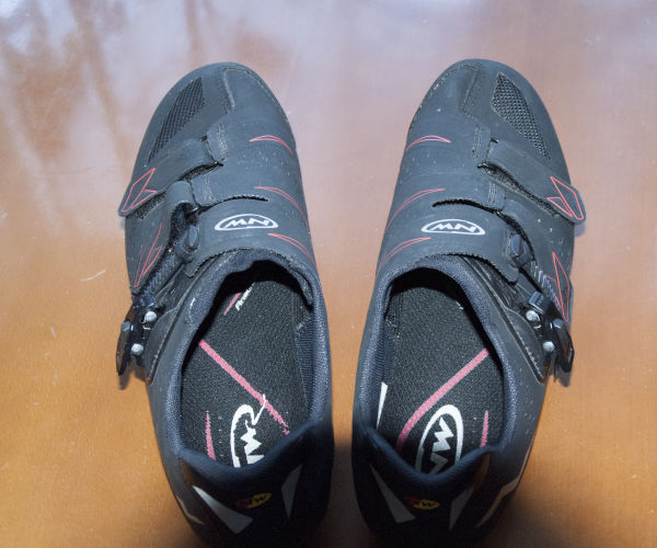 Cestni čevlji