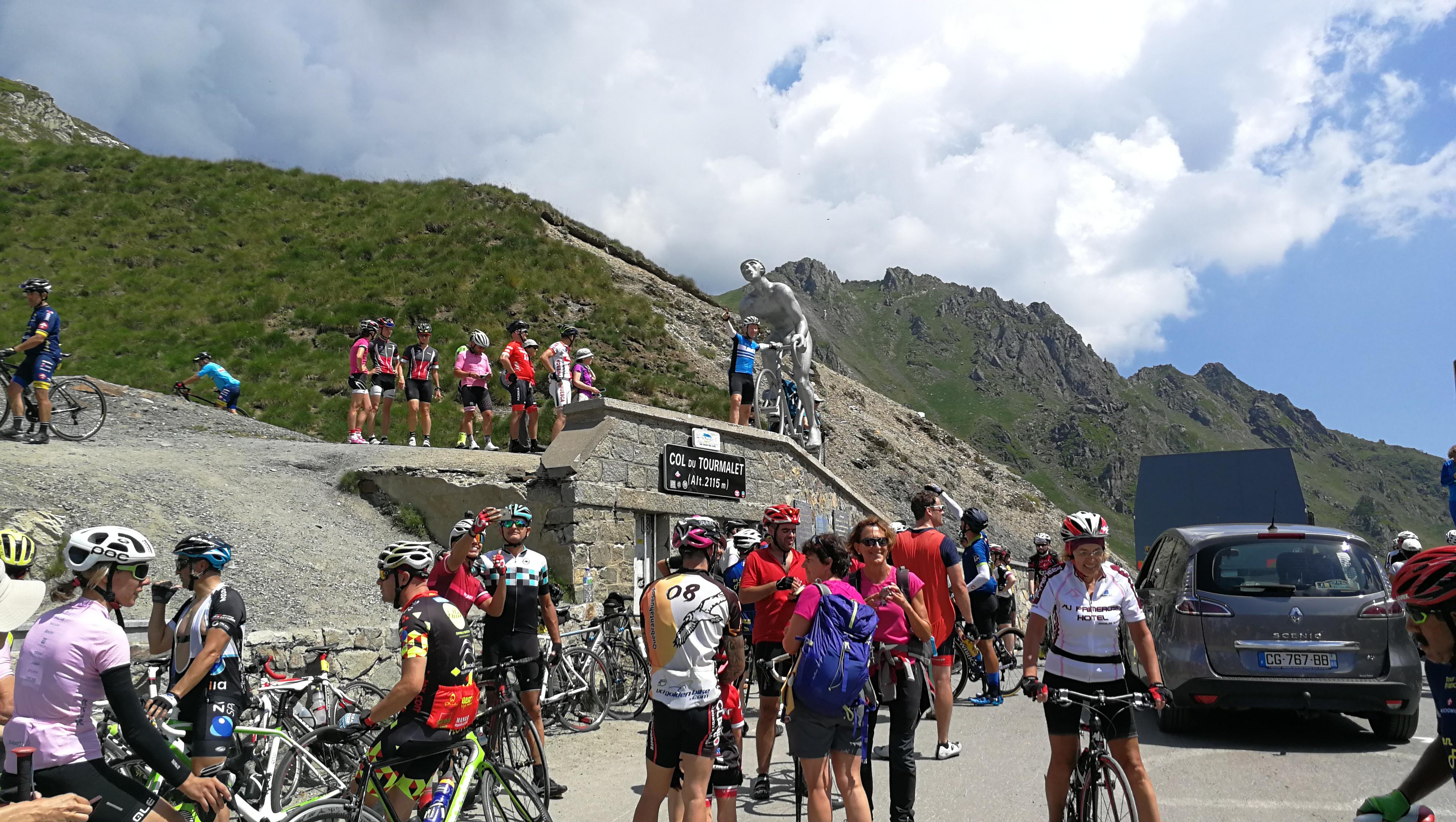 Pet vzponov, tudi znamenita Tourmalet in Aubisque
