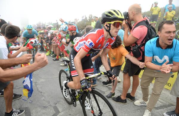 Alejandro Valverde resno ogroža Simona Yatesa