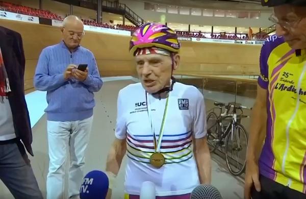Pri 106 letih spet na velodromu (VIDEO)