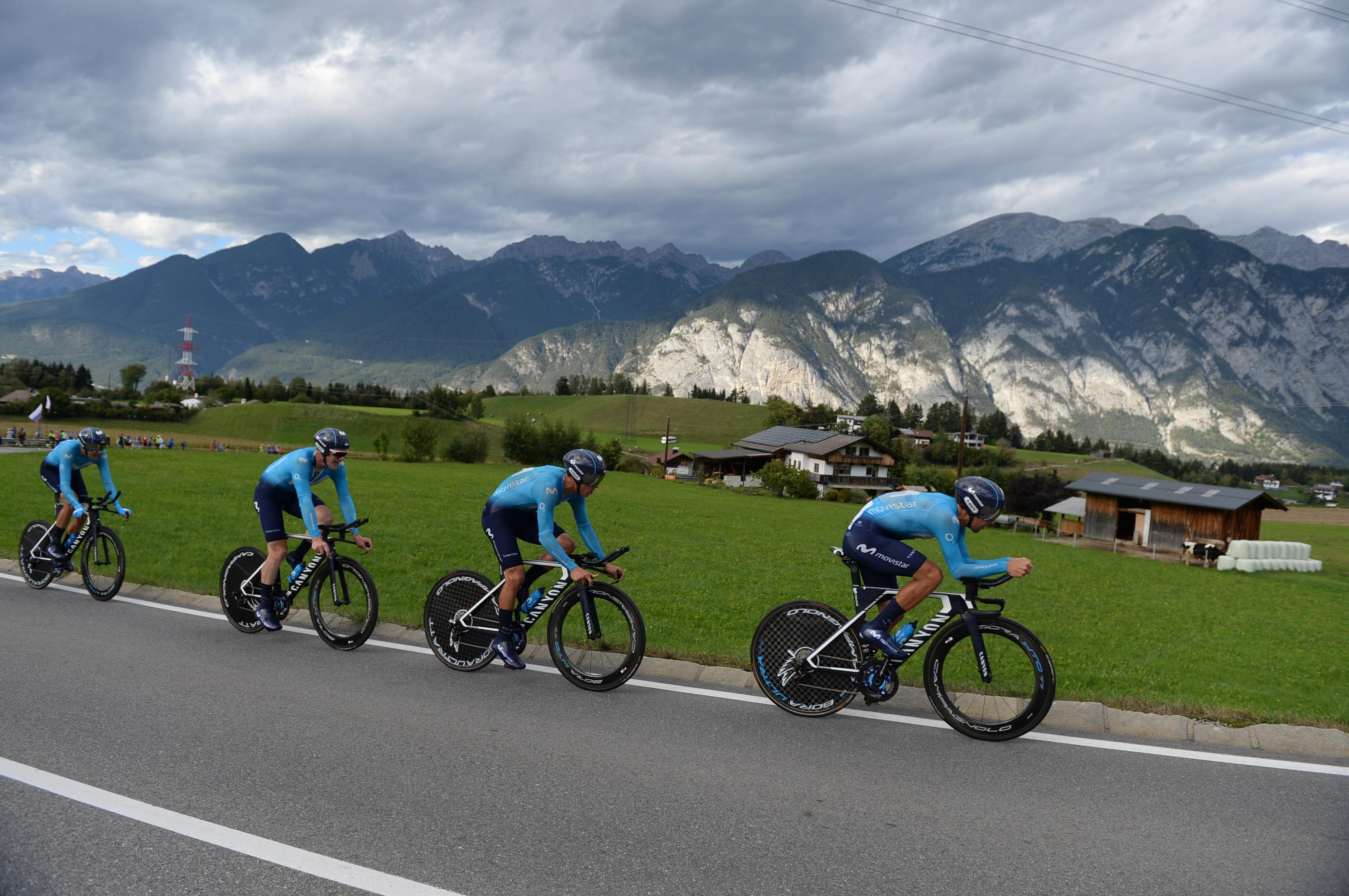 Movistarjevi kolesarji z lepo novico v novo sezono