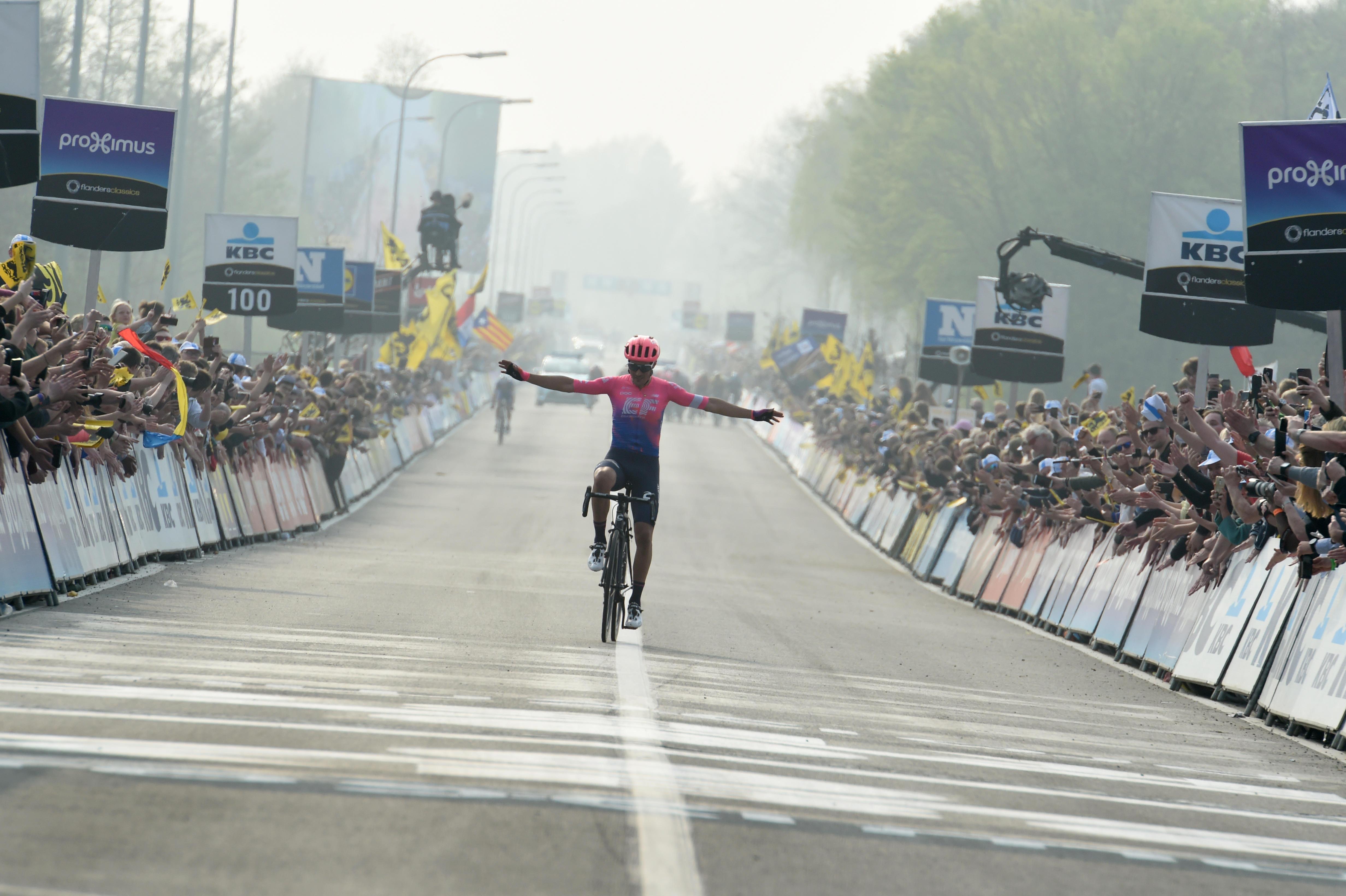Spektakel v Flandriji in presenečenje na vrhu