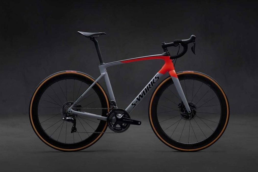 Novi Specialized Roubaix z izpopolnjenim vzmetenjem Future Shock