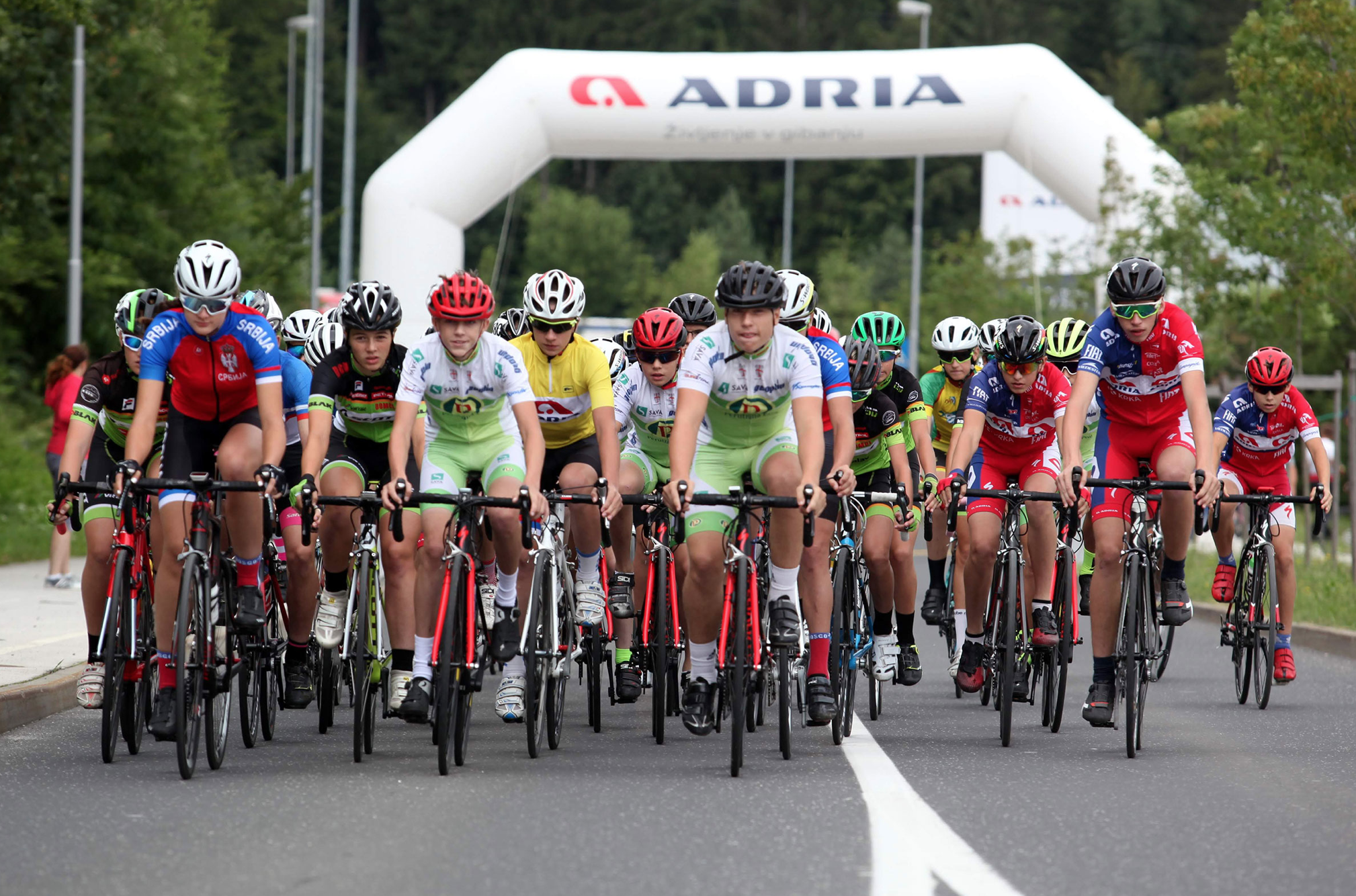 Po Dolenjski konec tedna 200 mladih kolesarjev in kolesark