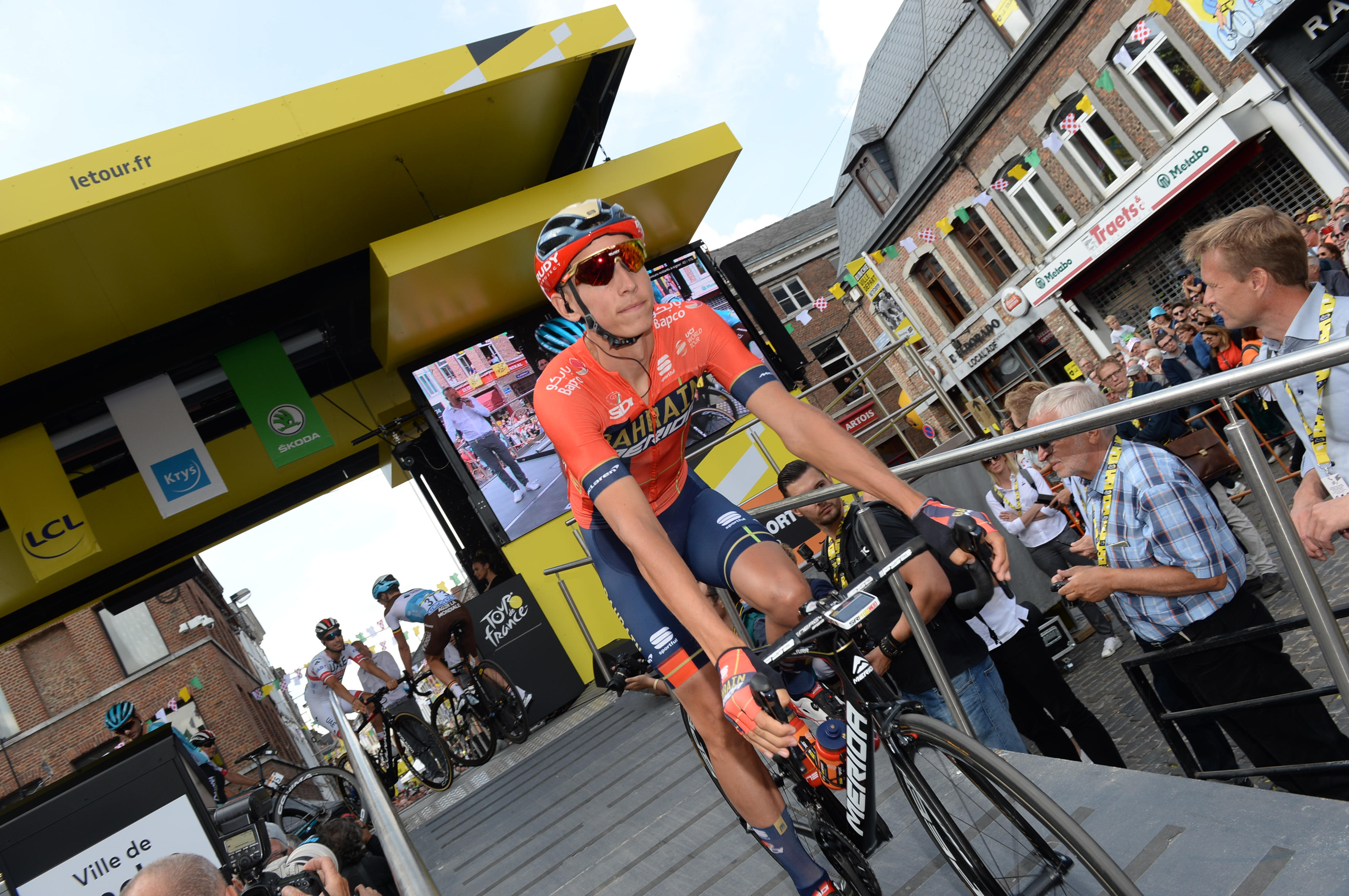 Spektakel na Touru: Boj favoritov, Teunsov podvig in Italijan v rumenem