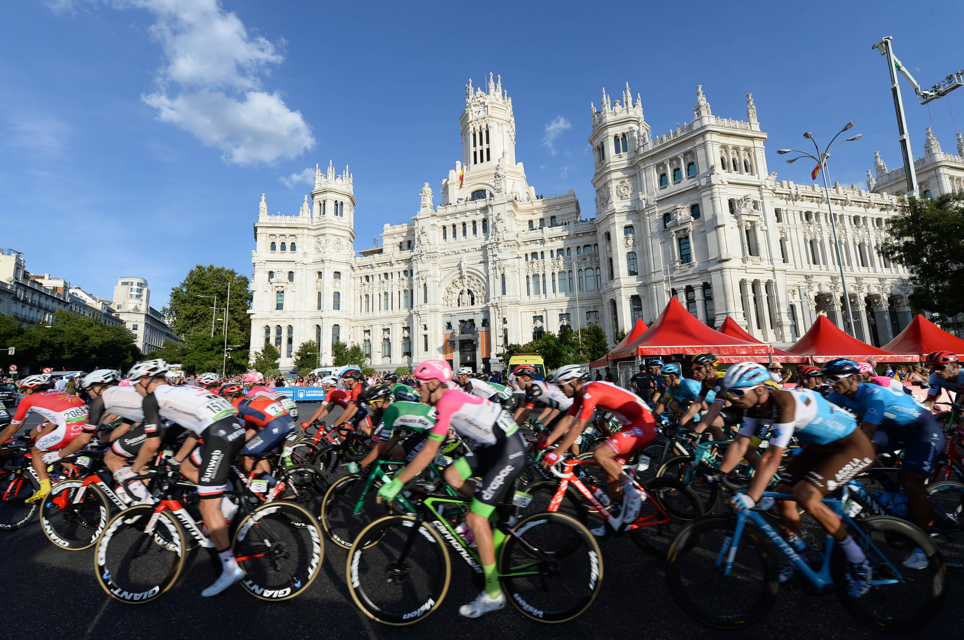 """Španska """"La Roja"""": 9 gorskih etap,1 kronometer in zagotovljen spektakel"""