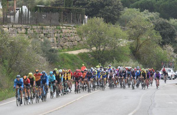 Ekipe se borijo za preživetje, kje pa je UCI?