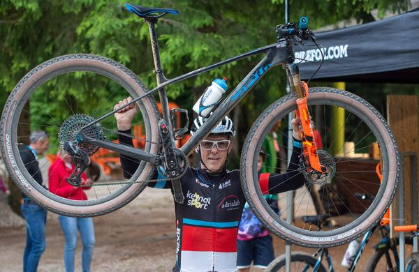 Veselov uspešen Everesting z gorskim kolesom
