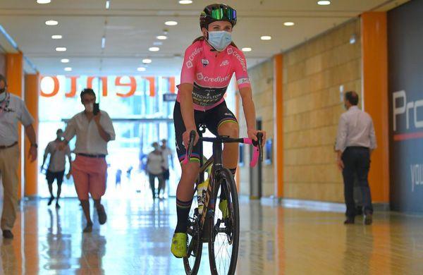 Konec Gira rosa za svetovno prvakinjo, ki ne bo branila mavrične majice