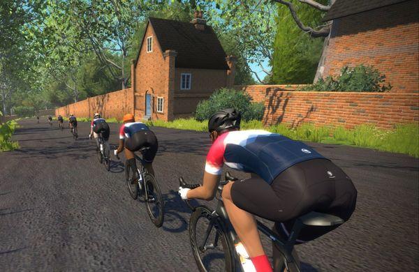 Zwift kaznoval kolesarki