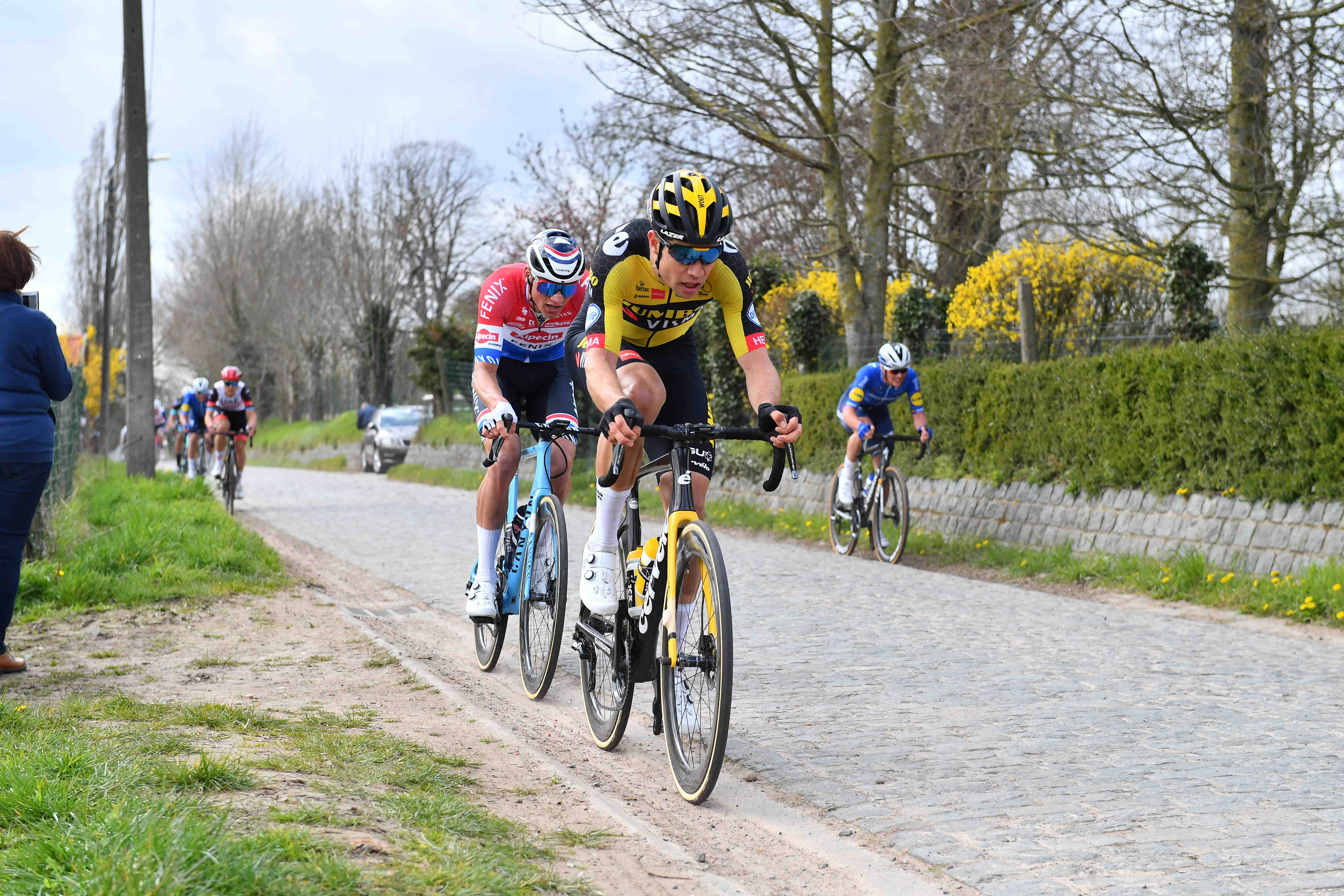 Šprinterska klasika Gent - Wevelgem pripadla van Aertu