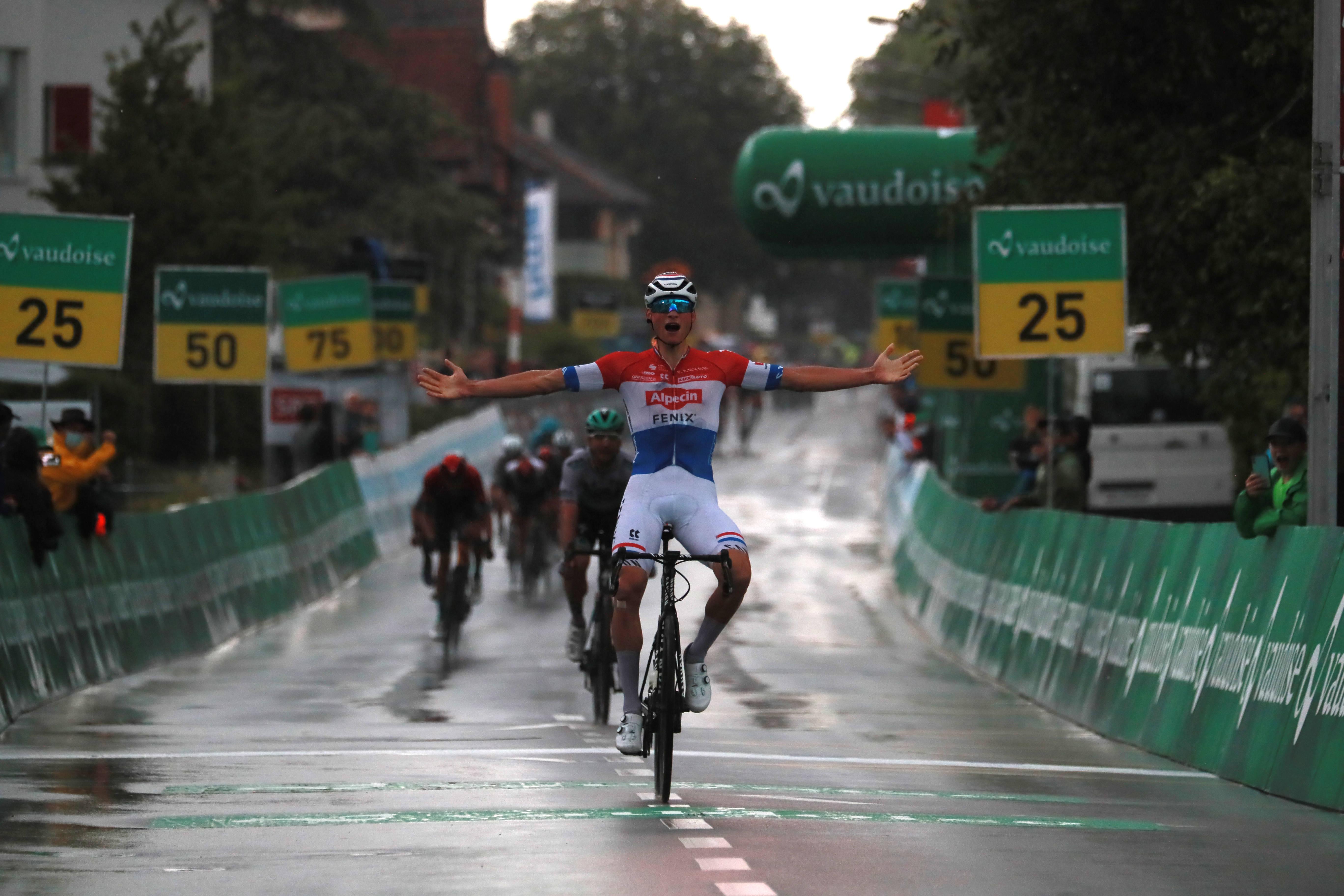 Van der Poel dobil napadov polno etapo