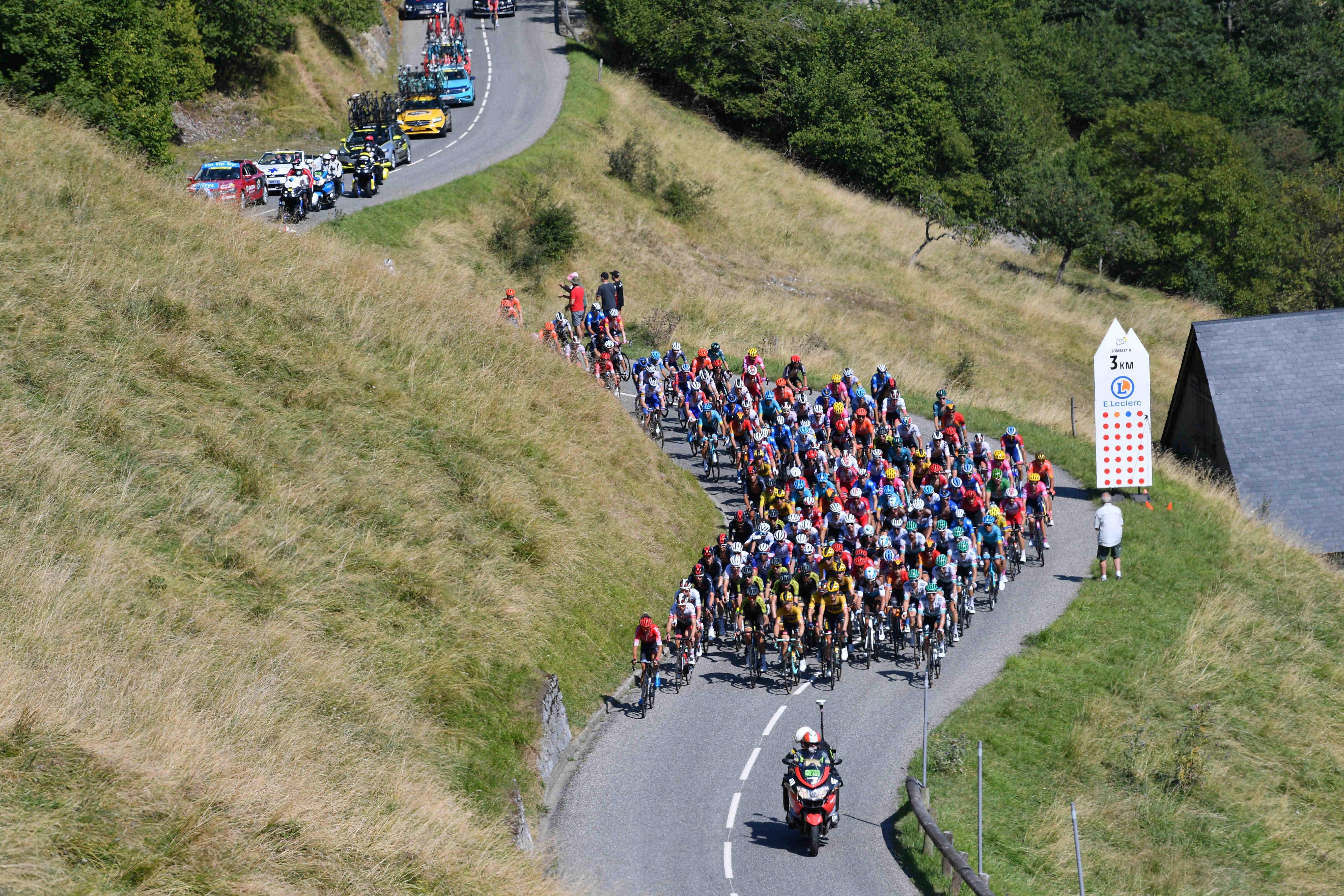 Osem ekip že potrdilo kolesarje za Tour
