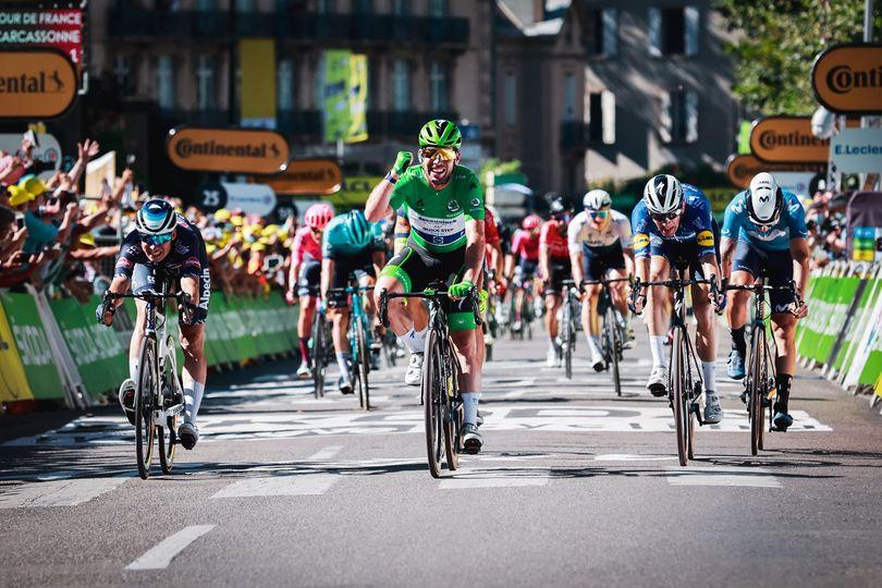 V Carcassonnu se je pisala zgodovina - Cavendish izenačil rekord Merckxa