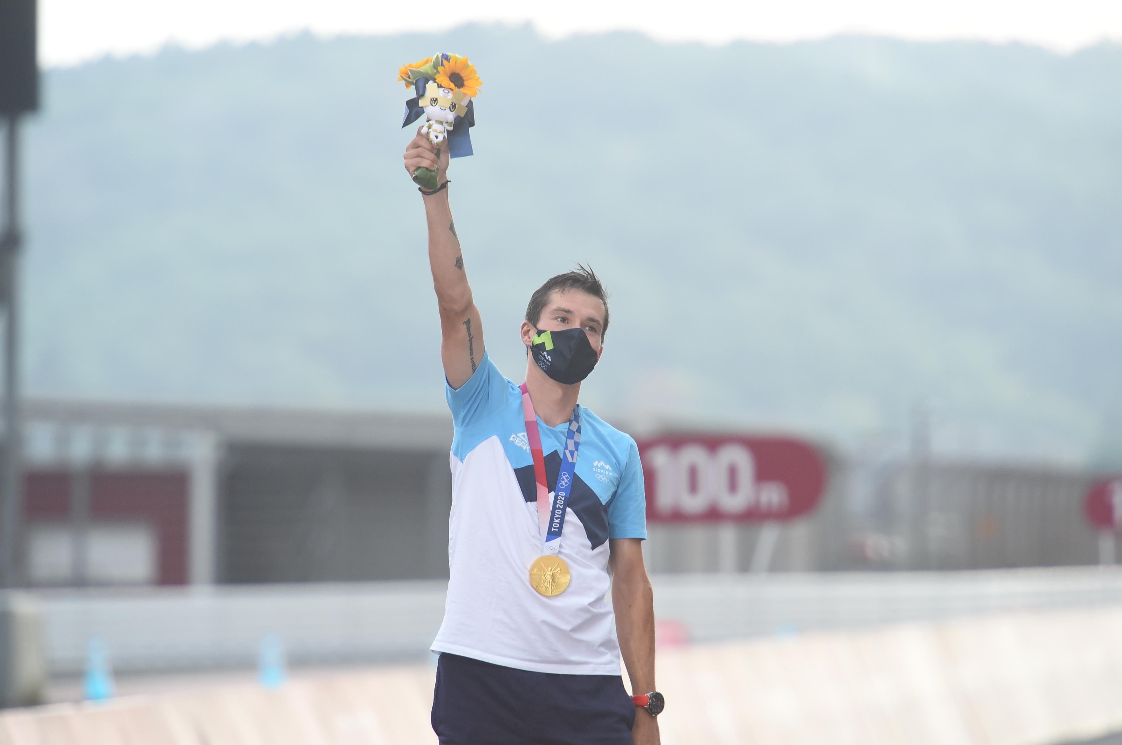 Primož Roglič deklasiral tekmece za naslov olimpijskega prvaka!