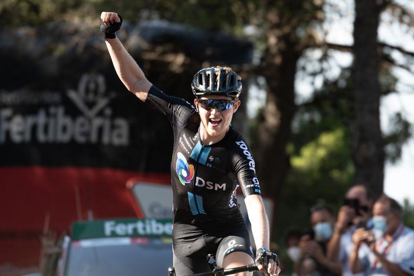 Roglič zadržal rdečo majico, Valverde po padcu zapušča Vuelto