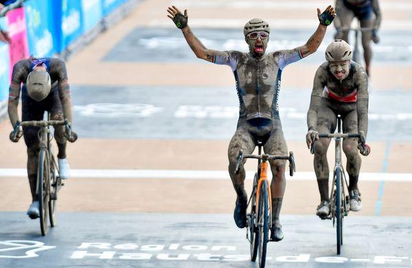 Epski Roubaix brez odpuščanja in z neverjetnim Colbrellijem