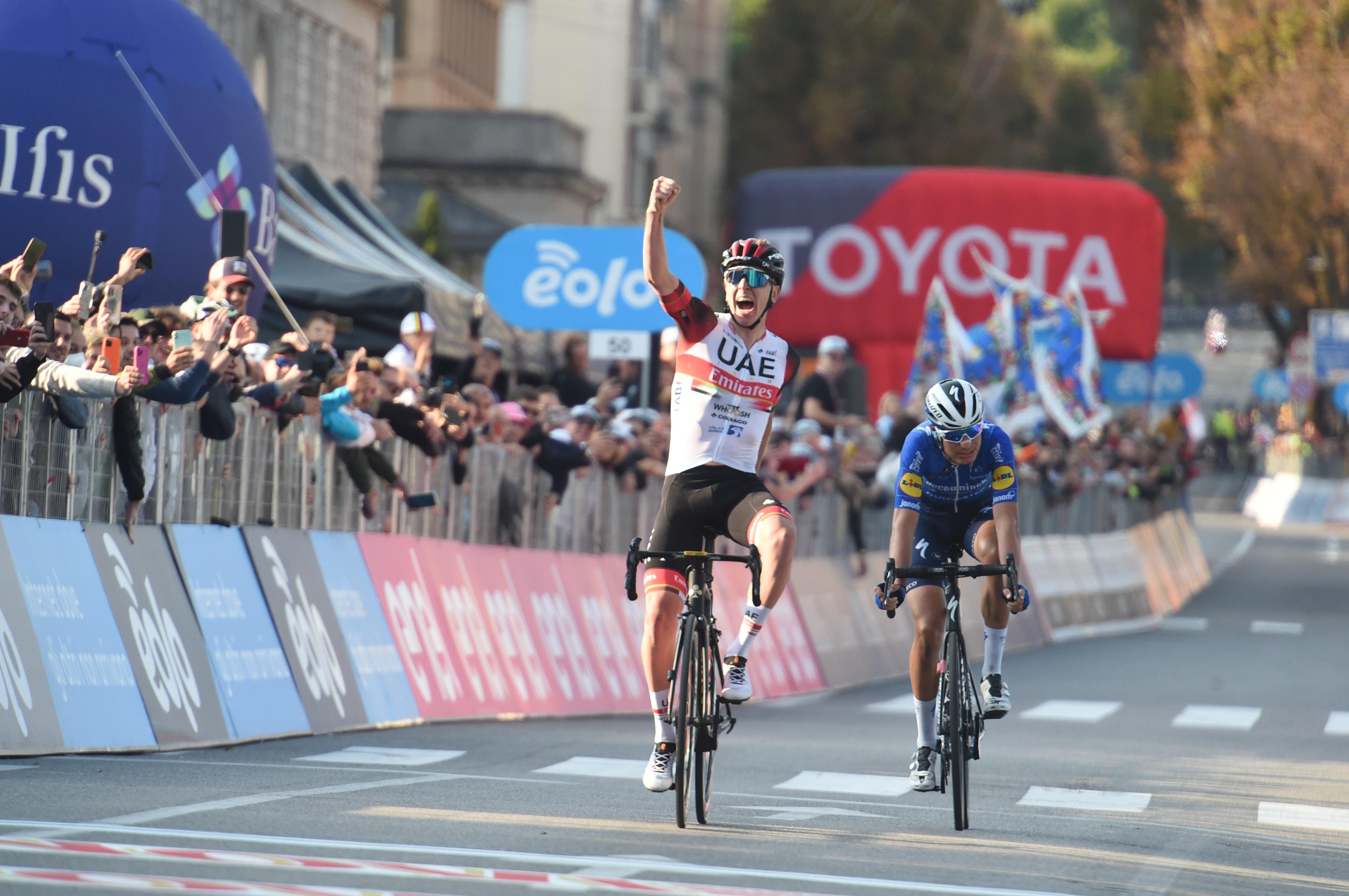 Za konec sezone še en šampionski podvig - Tadej Pogačar je v Lombardiji osvojil še drugi spomenik!
