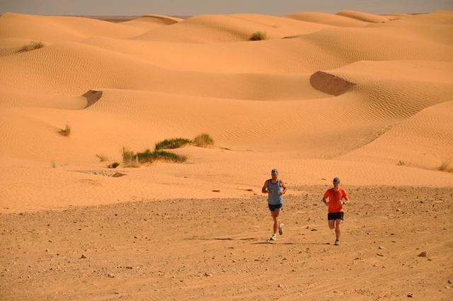 Mali saharski tek v Tuniziji