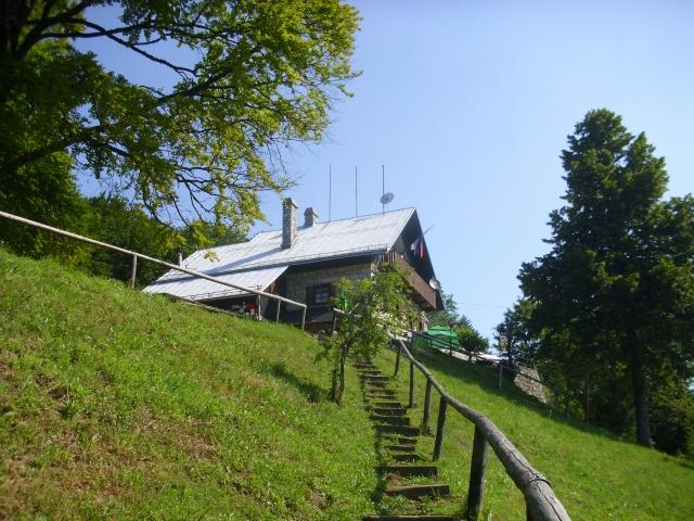 Mirna gora (1047 m) iz Vrčic