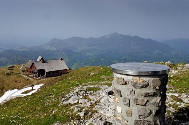 Ratitovec: Gladki vrh (1667 m) in Altemaver (1678 m)