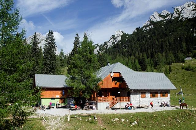 Dom na Zelenici (1536 m) z Ljubelja