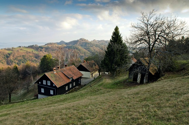 Mihelčičev dom na Govejku (727 m)